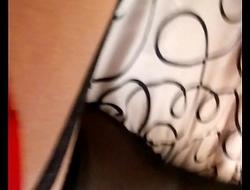 Medias negras con liguero y una blusa de mi vecina