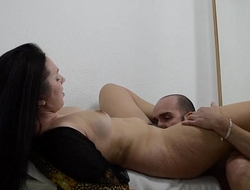 She gets pretty to party and he seduces her while he masturbates her IV012