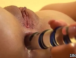 Natural sweetie is gaping pink fuckbox in close up and getting off
